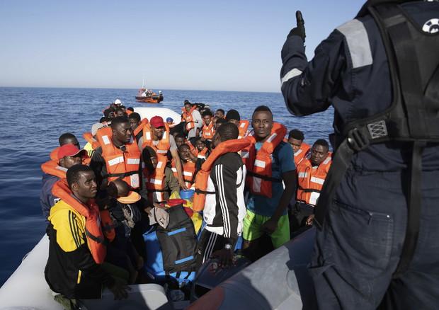 Un soccorso di migranti in mare (Foto d'archivio) © ANSA