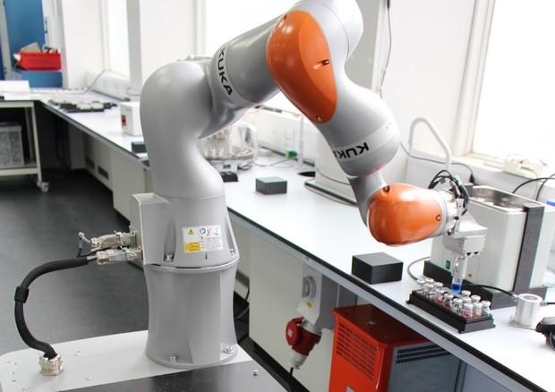 Il primo robot-scienziato, sa fare gli esperimenti da solo