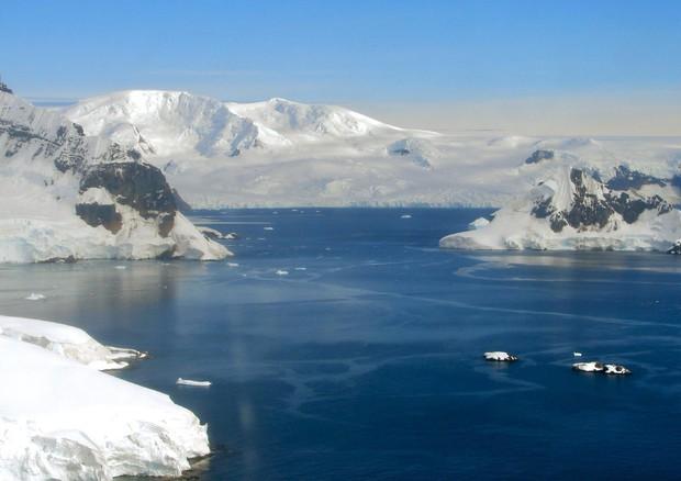 Antartide, 60% piattaforme ghiaccio a rischio fratture