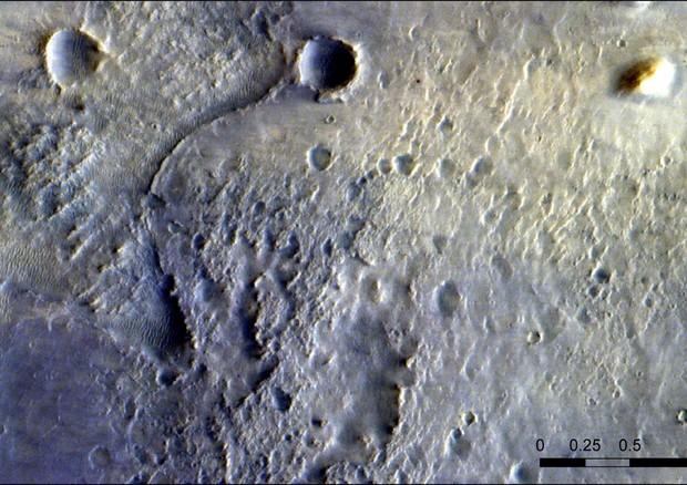 Il rover Perseverance della Nasa fotogafato dal Tgo (fonte: ESA/Roscosmos/CaSSIS; acknowledgement P. Grindrod) © Ansa