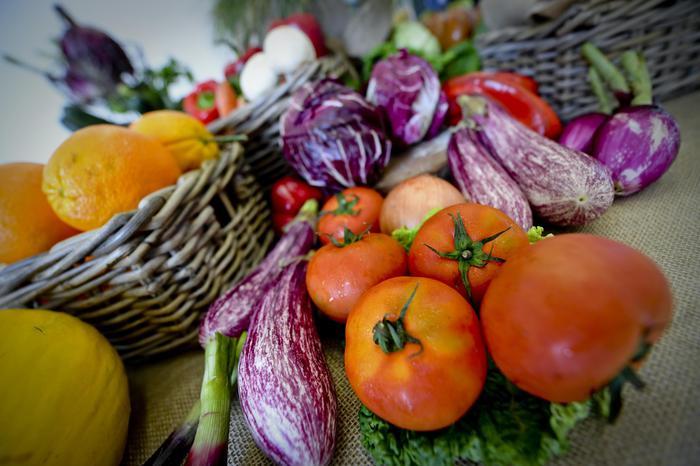 dieta naturale mondiale di 4 persone