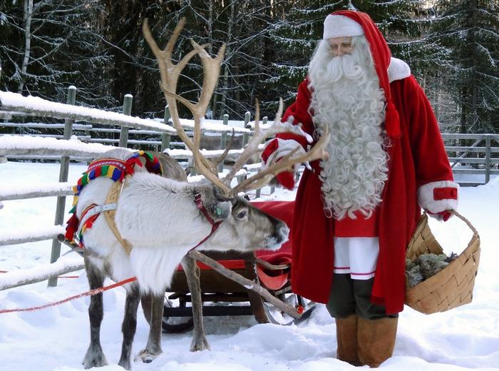 Il Babbo Natale.Babbo Natale A Lungo Sveglio E Mangia Male Troppi Dolci Stili Di Vita Ansa It