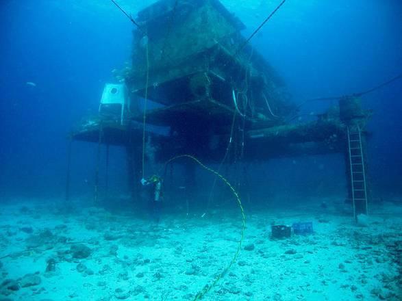 Il laboratorio Aquarius, a 15 metri di profondtà nell'Atlantico (fonte: NASA)