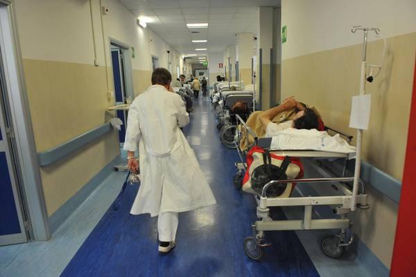 Censis,aumenta spesa cittadini e si allungano attese - Medicina ...