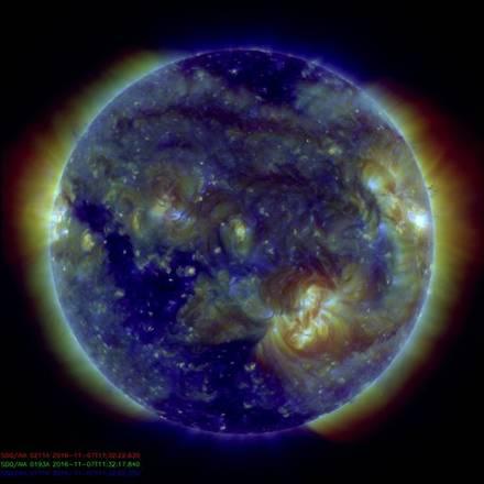 Eruzione solare del 7 novembre 2016 (fonte: NASA/Solar Dynamics Observatory)