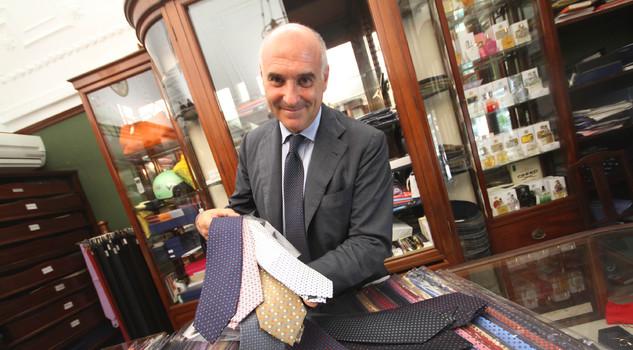 selezione più recente ottenere a buon mercato allacciarsi dentro Maurizio Marinella, così con Napoli vesto il mondo ...