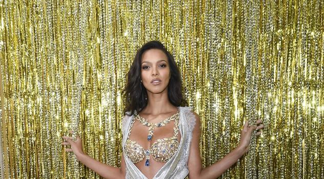 Il nude look di Rihanna alla presentazione della collezione River Island – Ieri.