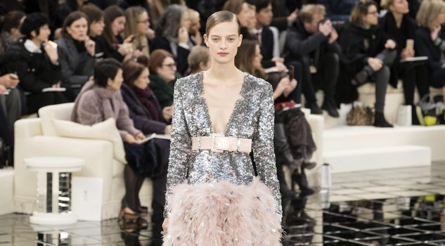 Belgian model Ine Neefs presents a creation from the Spring/Summer 2017 Haute Couture collection by German designer Karl Lagerfeld for Chanel, during the Paris Fashion Week, in Paris, France, 24 January 2017