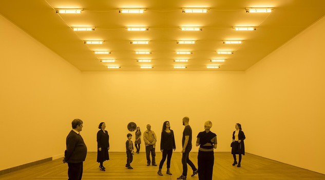 Monochrome: Painting in Black and White : Room for one colour. Olafur Eliasson 1997