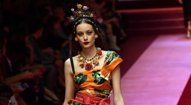 (di Gioia Giudici) Ogni donna è una regina di cuori sulla passerella di  Dolce e Gabbana 6a77bbb6781