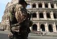 Controlli dell'esercito al Colosseo il giorno dopo l'attentato terroristico a Barcellona © ANSA
