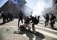 Neo-fascist groups, extremists and ultras clash with policemen ©