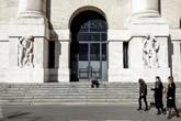 Borsa: Milano apre a -1,32%