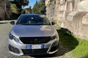 Peugeot 308 cambia il look (ANSA)