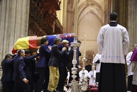 Alba de silva y jesus reyes follada privada en el feda - 1 part 4