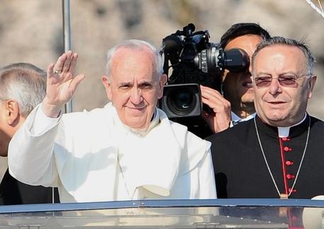 Papa: Montenegro lascia diocesi, una vita per i migranti thumbnail