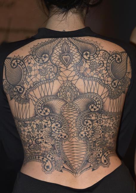 Il Tatuaggio D Autore Entra Nella Couture Cultura Ansa It
