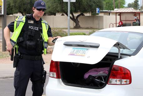 Usa: sparatoria in un hotel di Phoenix, un morto e 7 feriti thumbnail