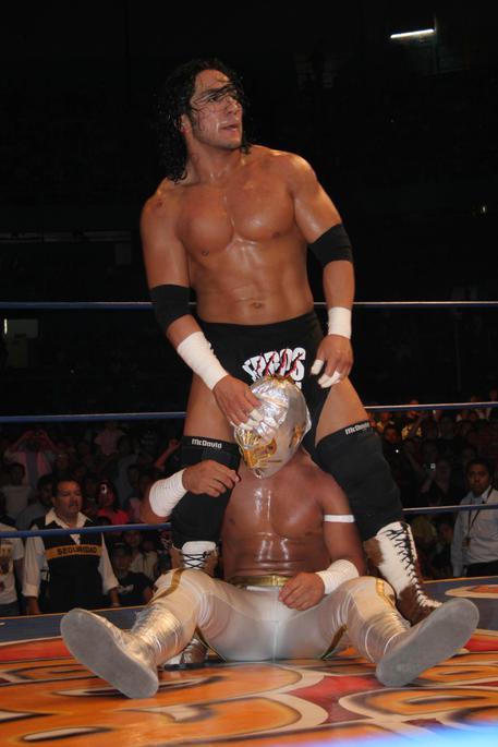 Tragedia Nel Wrestling Rey Mysterio Colpisce A Morte Pedro Aguayo Ramirez Polemiche Su Soccorsi Aperta Inchiesta Sport Ansa It