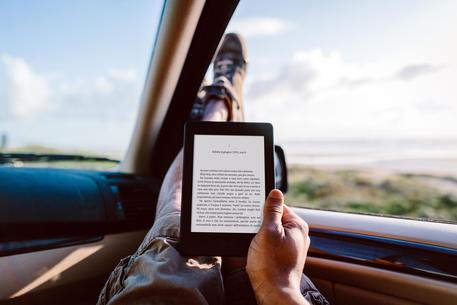 Amazon, Nuovo Kindle Paperwhite e Kindle Voyage © ANSA