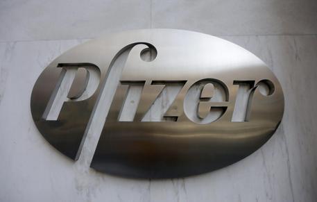 Usa, ok ad esportazioni vaccini Pfizer prodotti in America thumbnail