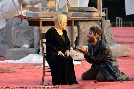 Debutto di Fenicie di Euripide al Teatro greco di Siracusa © ANSA