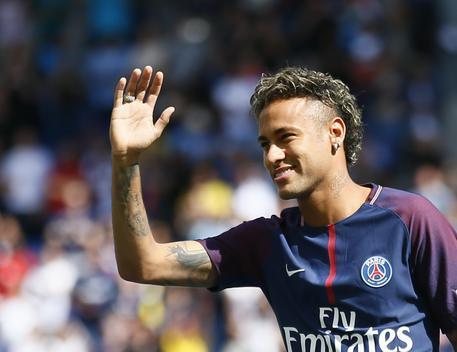 Calcio: Neymar reclama 26 mln da Barca, caso alla Fifa © AP