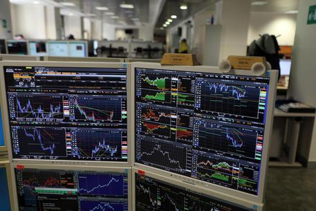 Borsa: Milano prosegue in rialzo, sprint di Mps e Amplifon thumbnail
