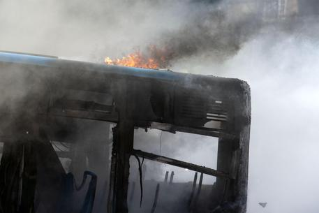 In fiamme deposito Atac a Roma, 30 bus distrutti  - Lazio