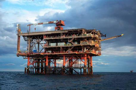 Eni, stoccare CO2 sotto il mare,a Ravenna 500 mln tonnellate thumbnail