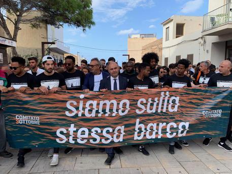 Lampedusa ricorda le vittime del naufragio del 2013$