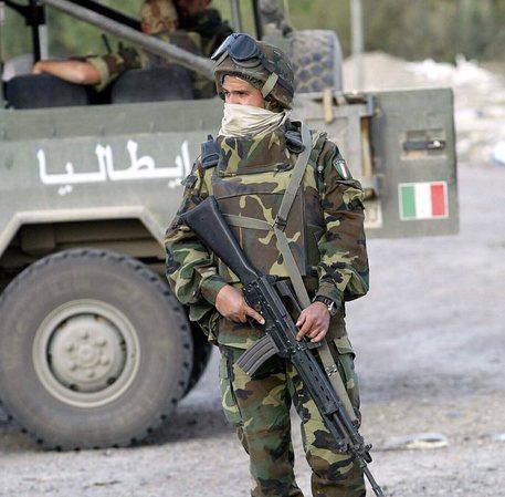 Un soldato italiano in una foto d'archivio © EPA