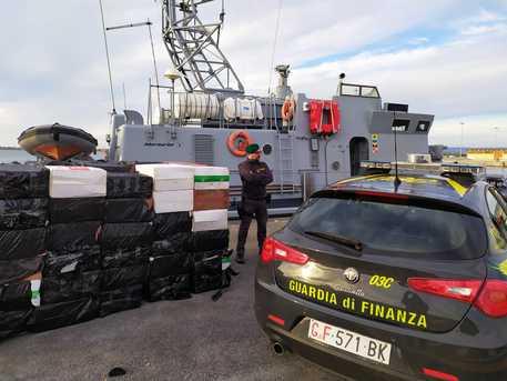 Contrabbando: 17 arresti in tutta la Sicilia$