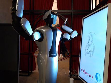 Arriva Amico, il robot che disegna la Gioconda