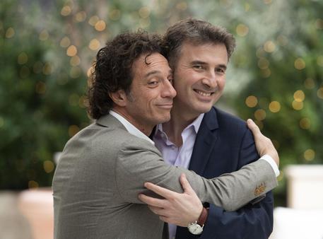 Ficarra e Picone firmano serie 'Incastrati' per Netflix thumbnail