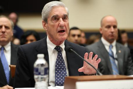 Robert Muller durante la testimonianza © AP
