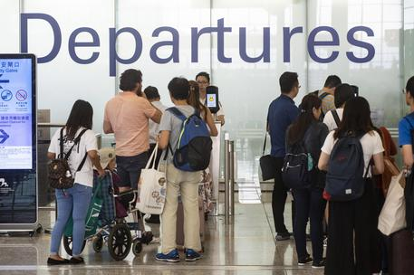 Flight operations resume at Hong Kong airport after chaotic anti-government protests © EPA