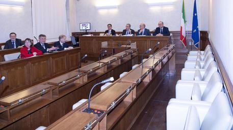 I banchi vuoti dei senatori della maggioranza in giunta © ANSA