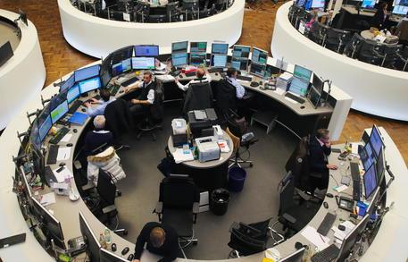 Borsa: Europa chiude in forte calo, Francoforte -1,77% thumbnail