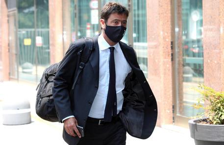 Calcio: nasce la Superlega con Inter, Juve e Milan thumbnail