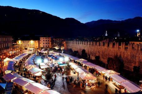 Immagini Di Mercatini Di Natale.Covid Annulla I Mercatini Di Natale In Trentino Alto Adige Cronaca Ansa