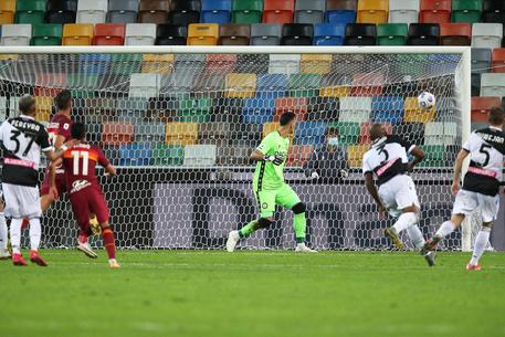 Serie A Magia Di Pedro E La Roma Passa A Udine Sport Ansa