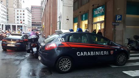Trovato uomo morto in pineta a Genova, ha ferita alla testa thumbnail