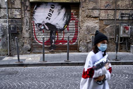 Una strada di Napoli © ANSA
