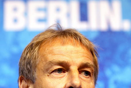 Juergen Klinsmann steps down as Hertha BSC coach © EPA
