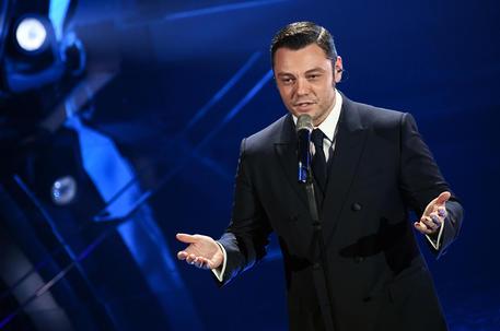Tiziano Ferro, il tour rinviato al 2023 thumbnail