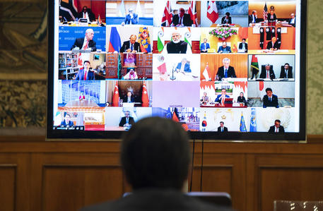 Giuseppe Conte in video conferenza ©