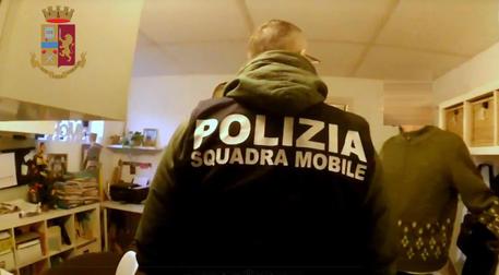 Pratiche false per permessi soggiorno, arresti a Novara ...