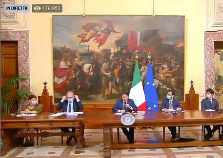 La conferenza stampa a Palazzo Chigi dopo l'approvazione del dl Rilancio © ANSA