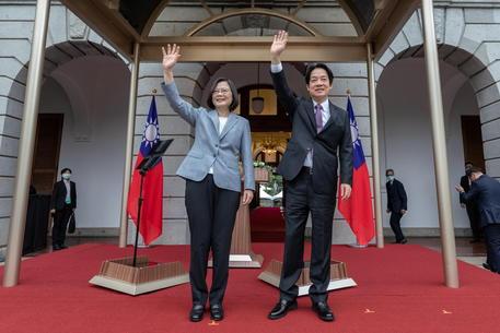 """""""Un Paese, due sistemi"""", Taiwan dice no all'offerta della Cina"""